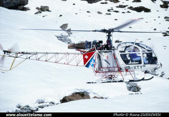 Pierre GILLARD: Air Zermatt - Alouettes & Lamas &emdash; XTY-005824