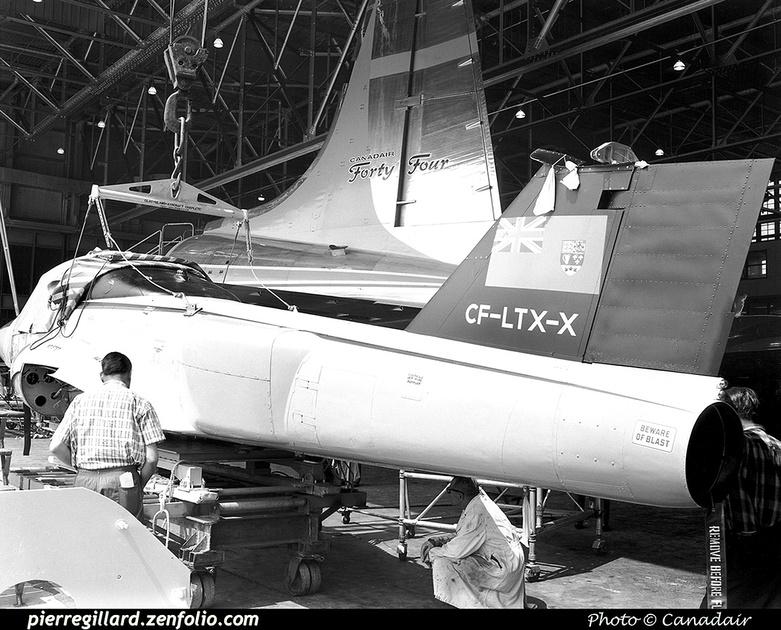 Pierre GILLARD: Canada - Canadair &emdash; 008029