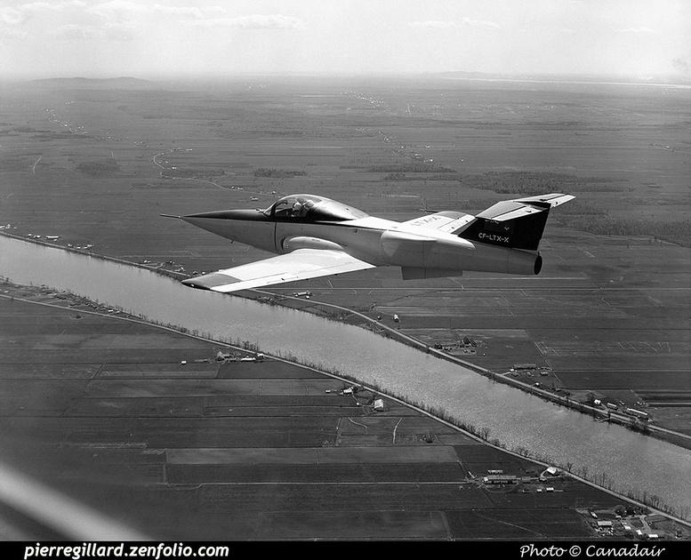Pierre GILLARD: Canada - Canadair &emdash; 008027