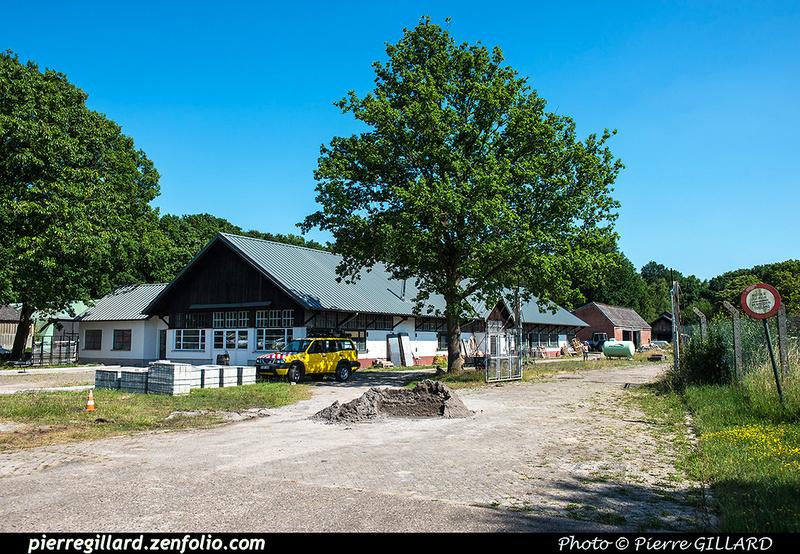 Pierre GILLARD: Bases : Brasschaat &emdash; 2017-611685