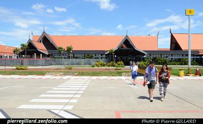 Pierre GILLARD: Cambodia : VDSR - Siem Reap &emdash; 2014-503166