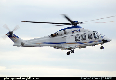 Pierre GILLARD: U.S.A. - Private Helicopters - Hélicoptères privés &emdash; 2015-509488