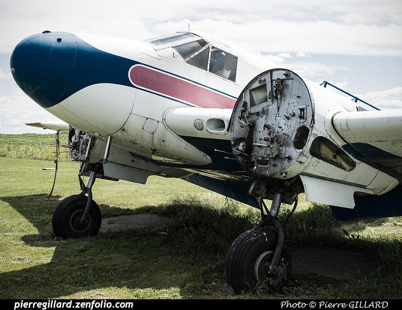 Pierre GILLARD: Parachute Jumping - Parachutisme &emdash; 2016-608704