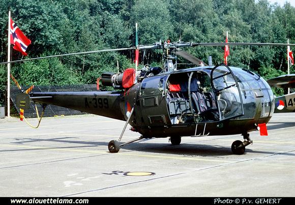 Pierre GILLARD: Koninklijke Luchtmacht - Alouettes &emdash; 005090