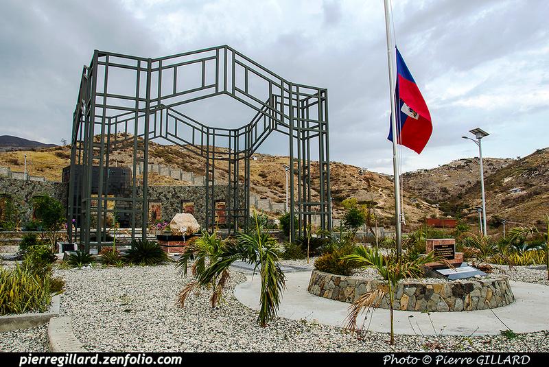 Pierre GILLARD: Saint-Christophe - Mémorial aux victimes du tremblement de terre du 12 janvier 2010 &emdash; 2017-519684