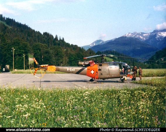 Pierre GILLARD: Forces Aériennes - Alouette III &emdash; V233-008546