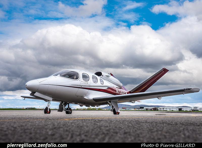 Pierre GILLARD: 2017-05-08 et 09 - Présentation du Cirrus SF50 Vision Jet chez Aeroteknic &emdash; 2017-610862