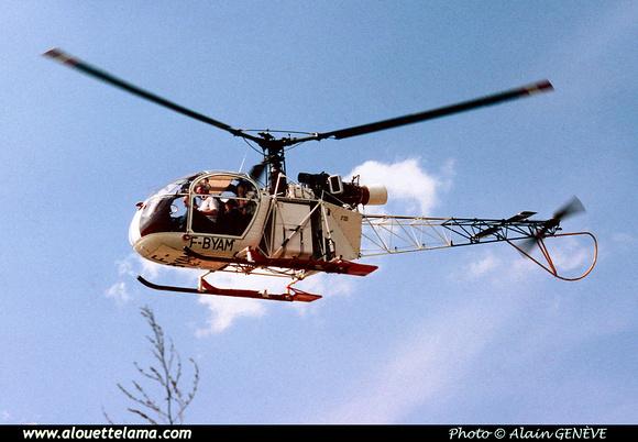 Pierre GILLARD: France - Private Helicopters - Hélicoptères privés &emdash; 006020