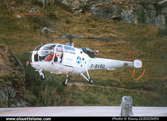 Pierre GILLARD: Air Zermatt - Alouettes & Lamas &emdash; XOM-005402