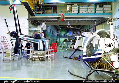 Pierre GILLARD: Hélicoptères &emdash; 2001-061-4-32