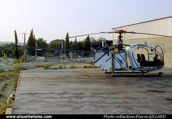 Pierre GILLARD: France - Private Helicopters - Hélicoptères privés &emdash; 006025
